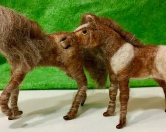 Needle felted horse, needle felted pony, needle felted animal,felted horse sculpture,felted horse ornament,wool horse, waldorf nature table