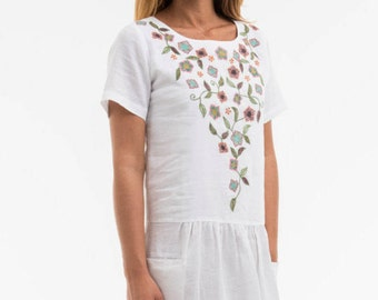 """Dress """"OPTIONS"""" noble based on a 100% linen, we did run a romantic embroidery, garment, gift for women"""