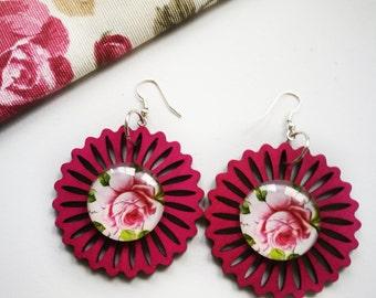 Earrings, wood earrings, earrings flower, round earrings, red earrings, earrings cameo, earrings vintage, chic, trendy