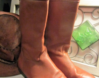 Vintage Women's L.L. Bean Cognac Mid-Calf Leather Flat Pull On Boots Made in Canada Sz 8.5M *free shipping*
