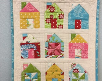 Mini Quilted Wall Hanging, Small House Quilt, Mini Wall Quilt
