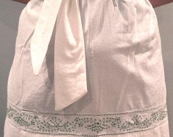 Vintage White Apron -  white green details apron vintage kitchen cooking apparel