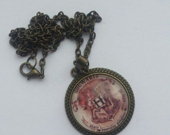 Hogwarts pendant necklace