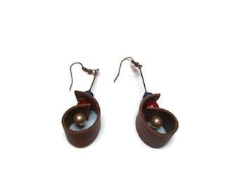 Brown leather earrings / Beaded earrings / Shell shape earrings / Bohemian earrings / Tribal earrings / Unique earrings / Gift for her /