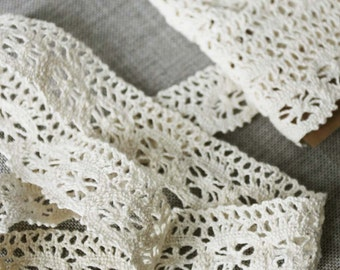 """Vintage lace trim, cream cotton lace, woven lace, 1.25"""" wide old lace"""