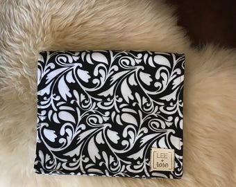 Black and White Burp Cloths