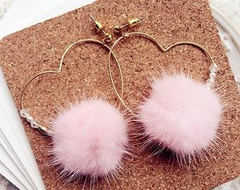 fur pom pom Ear clip, earrings. Pink, heart earrings, Pom Pom Earrings, Mink Fur Pom Pom Earrings, Fur ball Earrings, fur earrings。