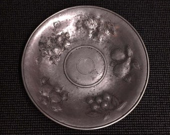 Large and Heavy Quality Vintage Pewter Fruit Dish or Salver