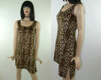 Furry, cheetah print asymmetric dress with small slit in size S / 36, leopard / tiger print, 1980's vintage fashion