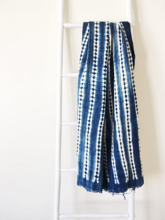 Shibori Stripe Pattern Indigo Throw