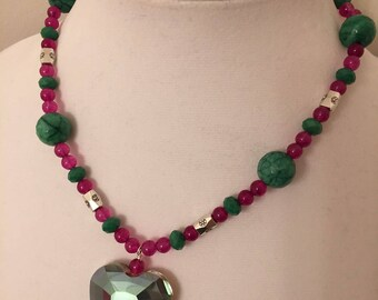 "Bright pink dyed jade, green agate, green glass & ""silver"" with pink/green glass heart pendant necklace (N17-019)"