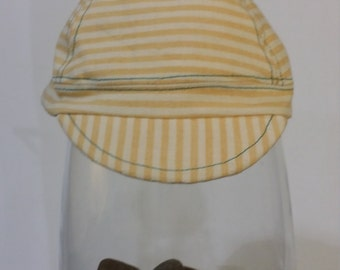 Yellow stripes cycling cap