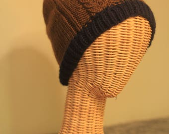 Keyhole Cable Hat