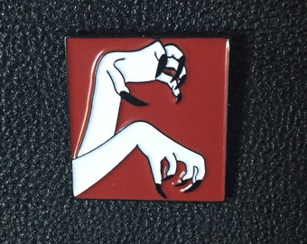 Vampira Claws - Lapel Pin