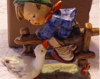 Hummel 1948 Barnyard Boy 195 2/0  in Escellent Condition Original