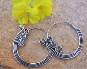 Silver earrings. Silver Jewellery. Ethnic Jewellery. Silver earrings. Ethnic earrings. Ethnic jewelry. Silver jewelry.