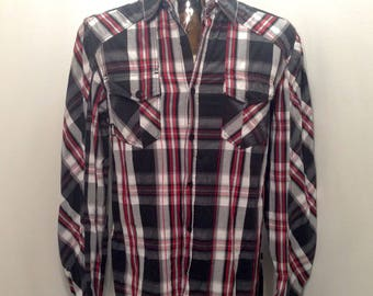 Sweet 90s NO FEAR Plaid Skater Shirt / Retro No Fear PLAID Dress Shirt With Skull Buttons Extreme Sports Lightweight Longsleeve Shirt Mens M