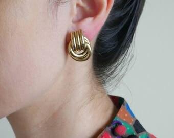 gold tie knot earrings / minimal earrings