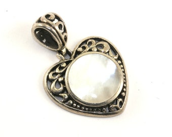 Vintage Heart Shape Mother of Pearl Scroll Design Pendant 925 Sterling Silver PD 483
