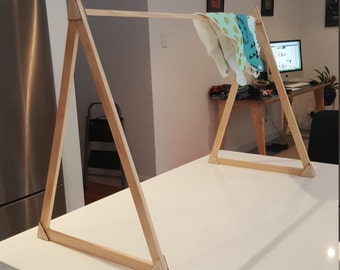 ZENT Small A-Frame Display Stand