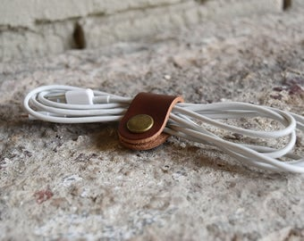Custom Leather Cord Keeper. Premium Personalized Leather Cord Keep. Monogram Cord Wrap. Headphone Cord Organizer. Gold/Silver Foil.