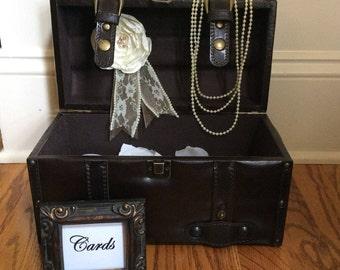 Elegant brown suitcase wedding card holder/Wedding card holder trunk/Wedding decorations/Customizable wedding card trunk