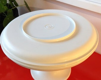 Vintage 1970's Tupperware cake stand/chip and dip set