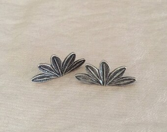 Vintage Leaf Stud Earrings