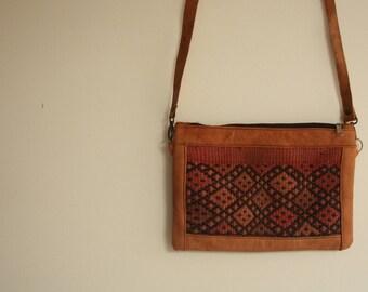 kilim bag, vintage kilim and leather handbag, vintage kilim and leather pouch, moroccan crossbody bag