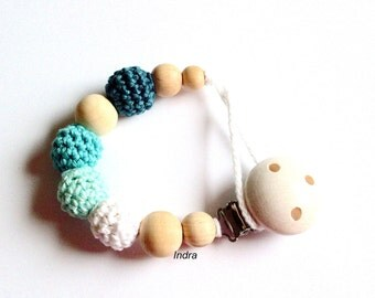 Neutral wooden baby pacifier clip / Teething dummy holder / Crochet beads / Safe for teething