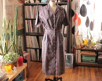 1950s house dress . fitted waist cotton dress, mauve floral and stripes . womens medium