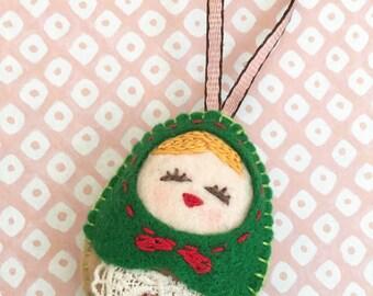 Felt Green Doll (Medium Size), Felt Russian Doll, Felt Matryoshka, Felt Handmade Christmas Ornament, X'mas Decor, Christmas Gift
