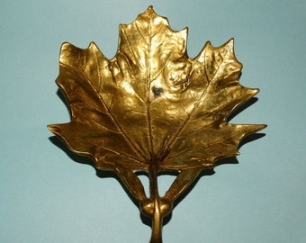 1948 Metalcrafters Brass Mapel Leaf Trivet, Ashtray Leaf, Papaia, Fall Leaves, Maple Leaf, Solid Brass Leaf Dish, Appetizer Brass Dish