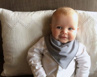 Bandana Bib | Grey Baby Bib | Minimal Baby | Baby Girl Baby Boy | Drool Bib | Kerchief Bib | Grey Gray | Simple Minimal Baby