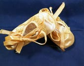 Antique Mrs Day's Ideal Infant/BabyCrib Shoes, Peach Satin & Lace Booties, VG Sweet/Tiny Size 1