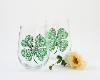Shamrock wine glasses - Set of 2 hand painted stemless wine glasses