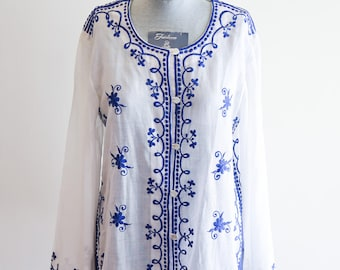 Beautiful BOHO sheer cotton hippie blouse with bell sleeves & intricate embroidery sz. Small / Medium