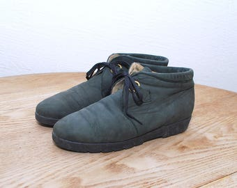 80s 90s dark green ankle boots. nubuck boots. flat ankle boots - eur 38, us 7.5, uk 5
