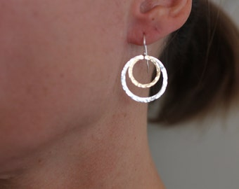 two circles earrings, mixed metals, gold and silver, hammered, simple, everyday, two tone, sterling silver, E04