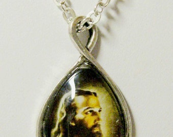 Christ pendant with chain - AP17-805