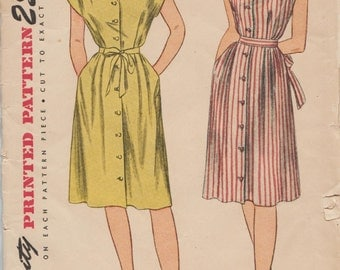Simplicity 1588 / Vintage 40s Sewing Pattern / Maternity Dress / Size 20 Bust 38