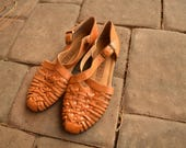 Vintage Brown Leather Woven Sandals Flats Size 6 7 Huaraches