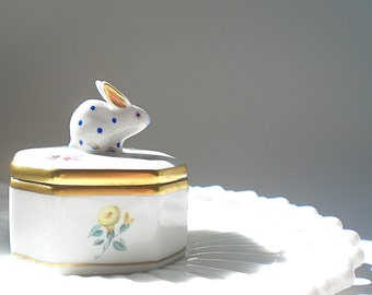 Small Porcelain Box Hand Painted Porcelain Ring Trinket Box Herend Bunny Rabbit Box