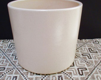 Gainey Ceramics Ivory Off White Speckled Architectural Planter Pot Mid Century ModernCylinder  Pottery Modernist Eames Era La Verne AC 10