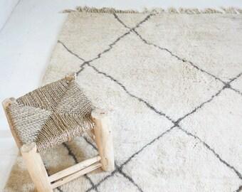 BENI OUARAIN RUG - Vintage Moroccan Wool Rug