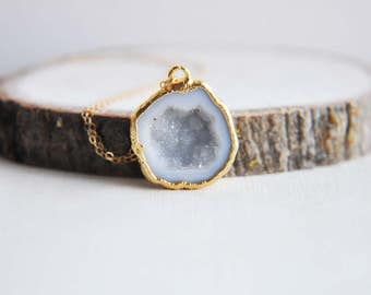 Geode Necklace, Druzy Geode Necklace, Small Druzy Necklace, Natural Geode, Rough Cut Geode, Gold Geode Necklace, Small Geode Necklace, Boho