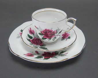 Vtg DUCHESS Fine Bone China TEA SET - Red Roses Trio - Cup Saucer Plate - England