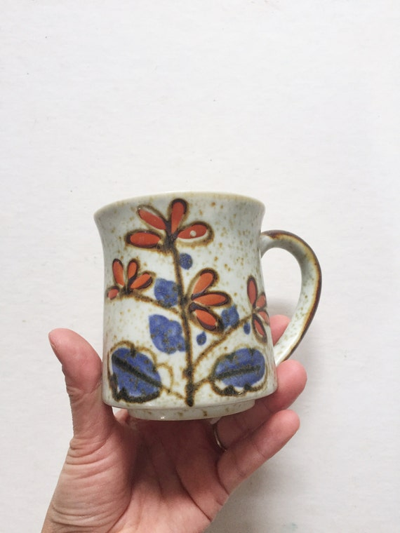 hand painted flower stoneware coffee mug / brown