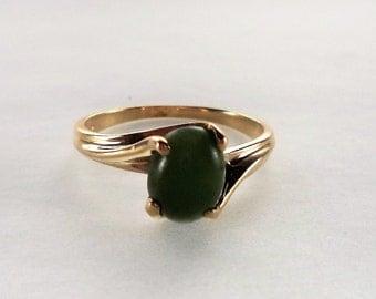 Jade 10K Ring Yellow Gold Size 5.75 Nephrite Jade