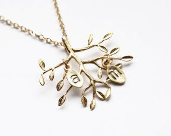Family Tree Necklace, Grandmom Monogram Necklace, Mom Jewelry, Personalized Necklace, Grandmother Custom Twig Family Names Initial Necklace